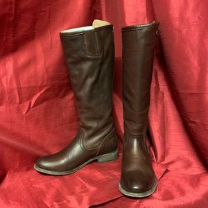 Frye Pippa Back Zip Tall Size 7M